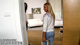 Nice ass blonde gasps in pleasure as the giant throbber hit her g spot