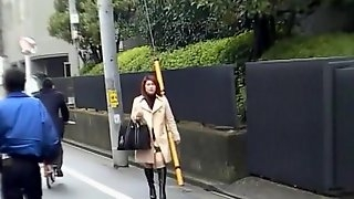 Maple twenty-year-old Chinkame bus guide